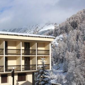 Visuel - Hébergement VARS sous la neige.jpg